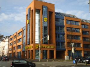 Gebäude groß HUK Kiel